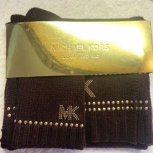 Michael Kors NWT Burgandy Gold Scarf and Hat Set